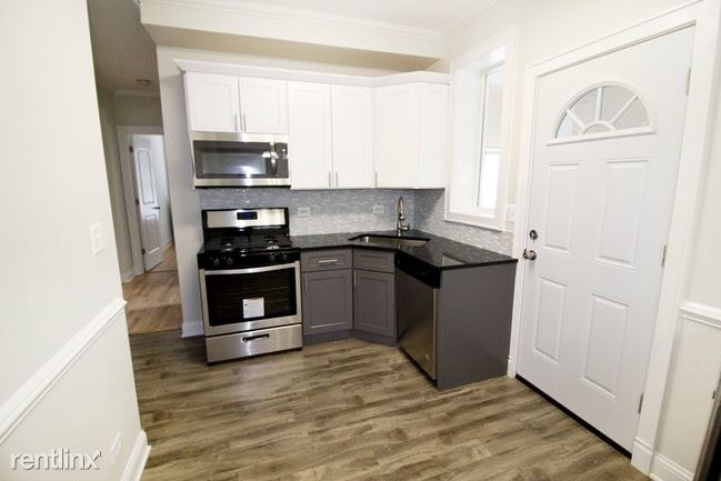 2109 W Eastwood Ave, Chicago, IL - $1,895