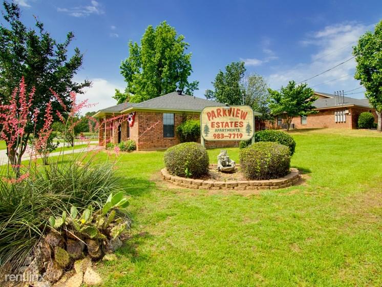 200 Parkview Est, Kilgore, TX - 879 USD/ month