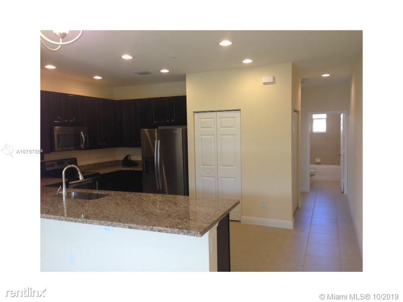 1020 SW 147th Ave, Pembroke Pines, FL - $2,250
