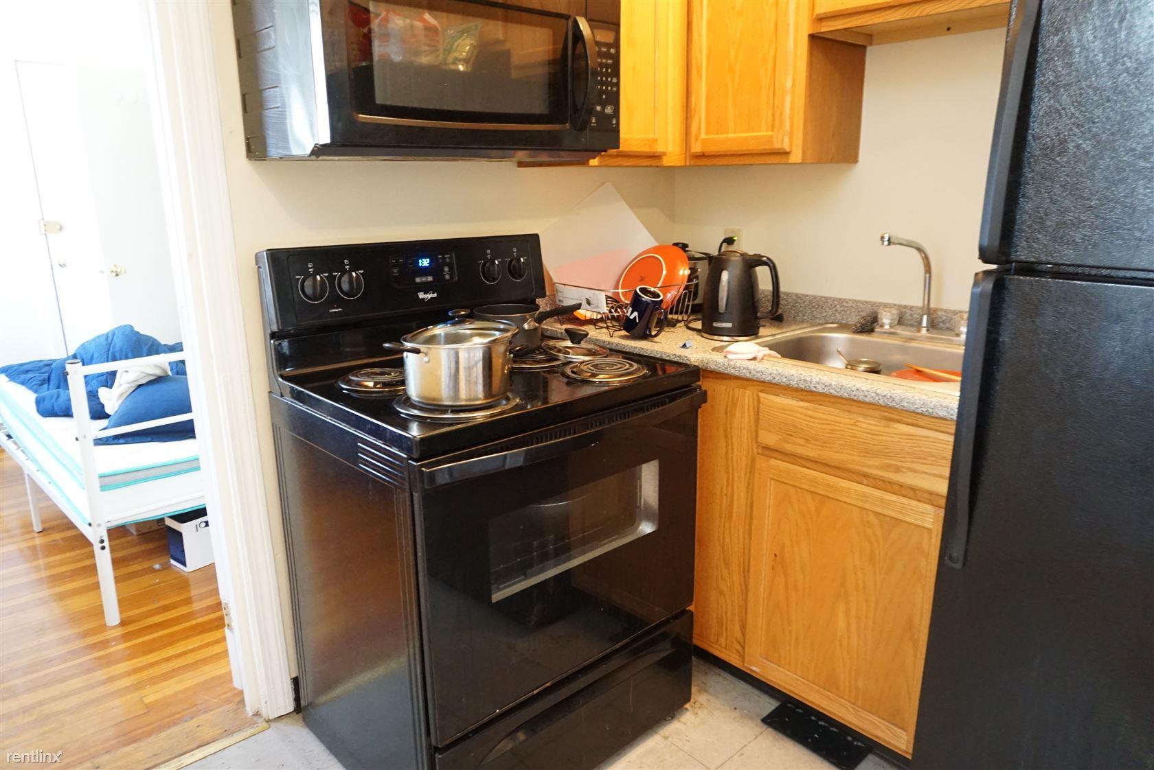 1132 Commonwealth Ave, Allston, MA - $2,525