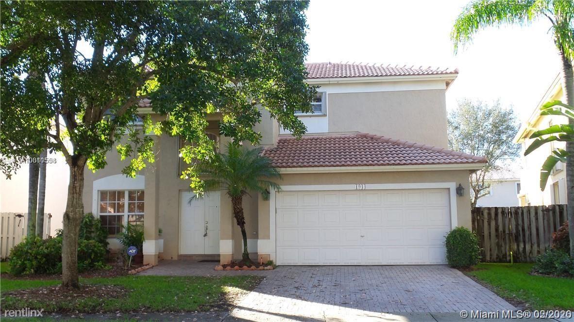 1944 NW 169th Ave, Pembroke Pines, FL - $3,300