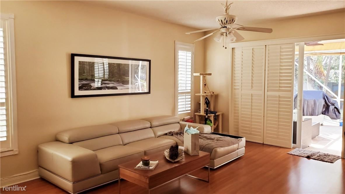 13102 NW 11th St, Pembroke Pines, FL - $3,500