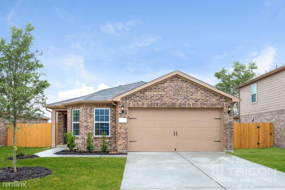 696 Totem Trail Drive, La Marque, TX - $1,799