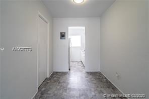 430 72nd St, Miami Beach, FL - $1,000