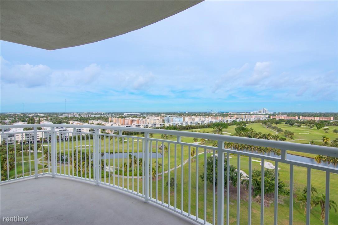 1745 E Hallandale Beach Blvd # 1202W1, Hallandale Beach, FL - $2,600