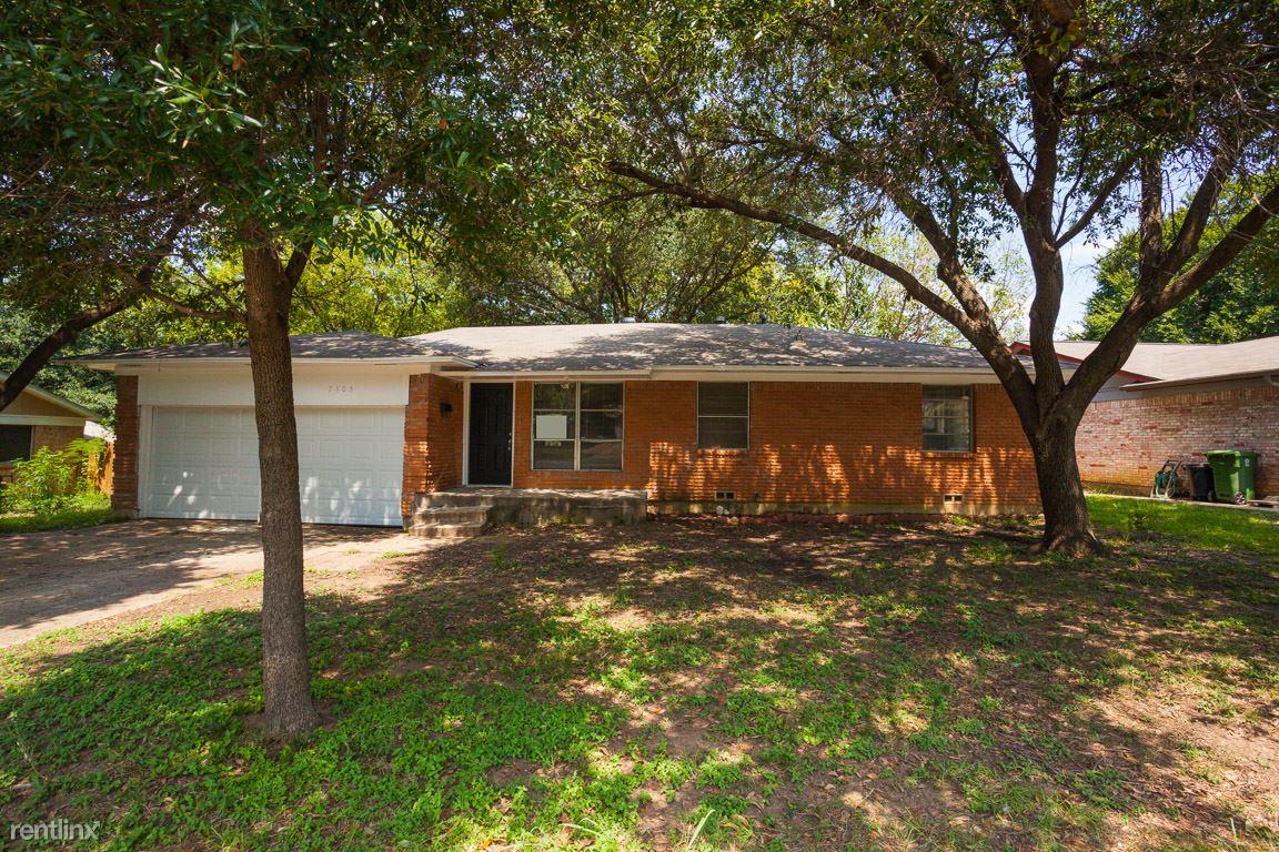 7505 Deaver Dr, North Richland Hills, TX - $1,349