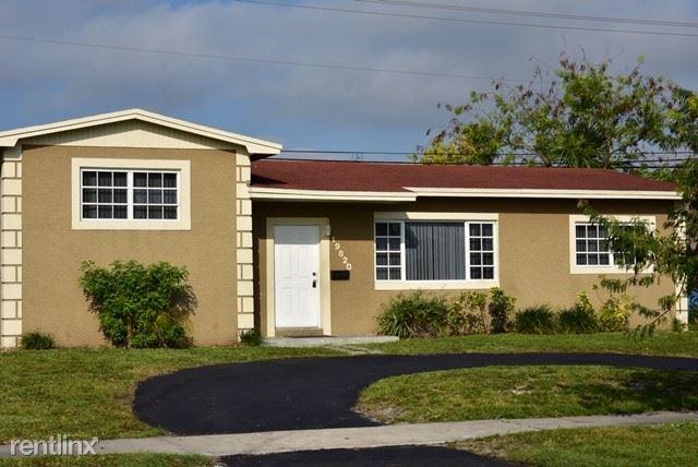 19820 NW 12th Ave, Miami Gardens, FL - $2,049