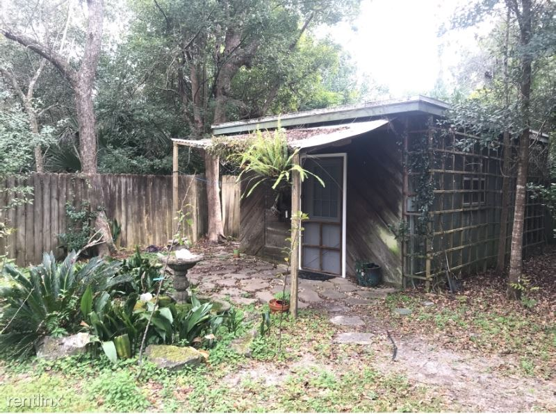 1027 NW 11th Ave, Gainesville, FL - $550