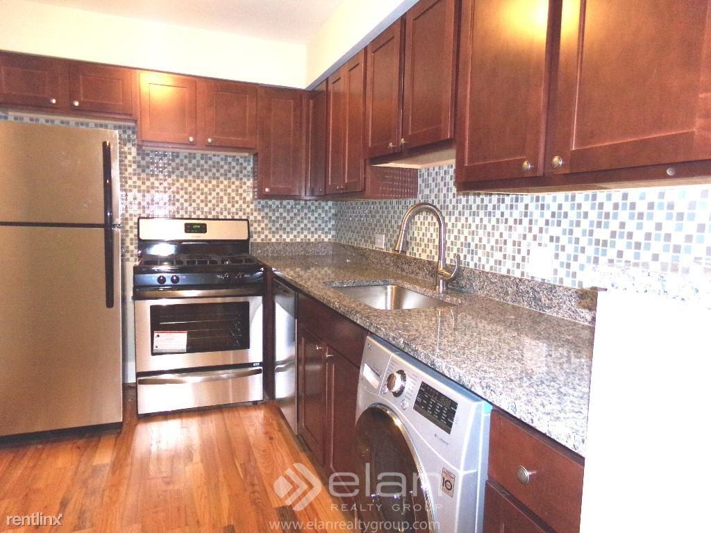 696 Elm Place Apt 108, Highland Park, IL - $1,450