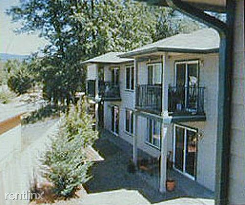 500 Indian Trail Court B, Shady Cove, OR - $1,095