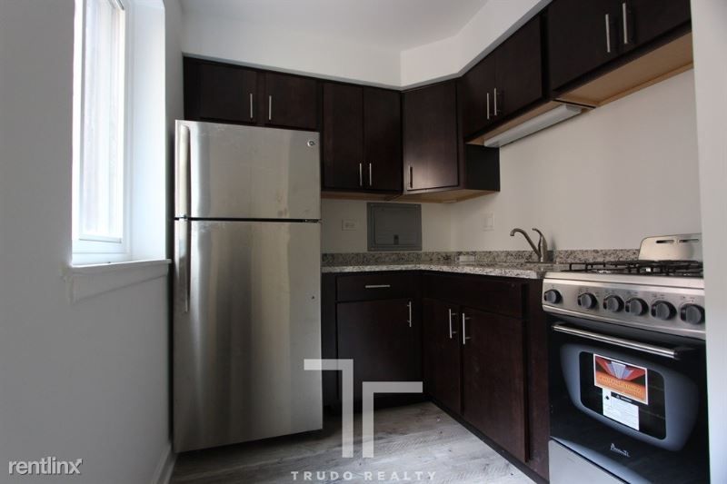 6211 N Kenmore Ave, Chicago, IL - $1,100
