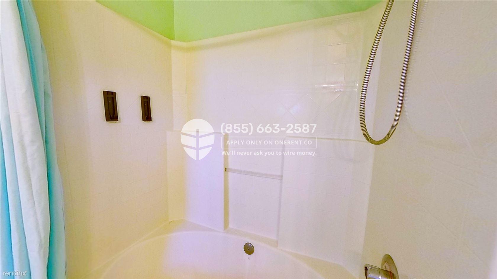 22029 39th Pl S, Kent, WA - $2,500