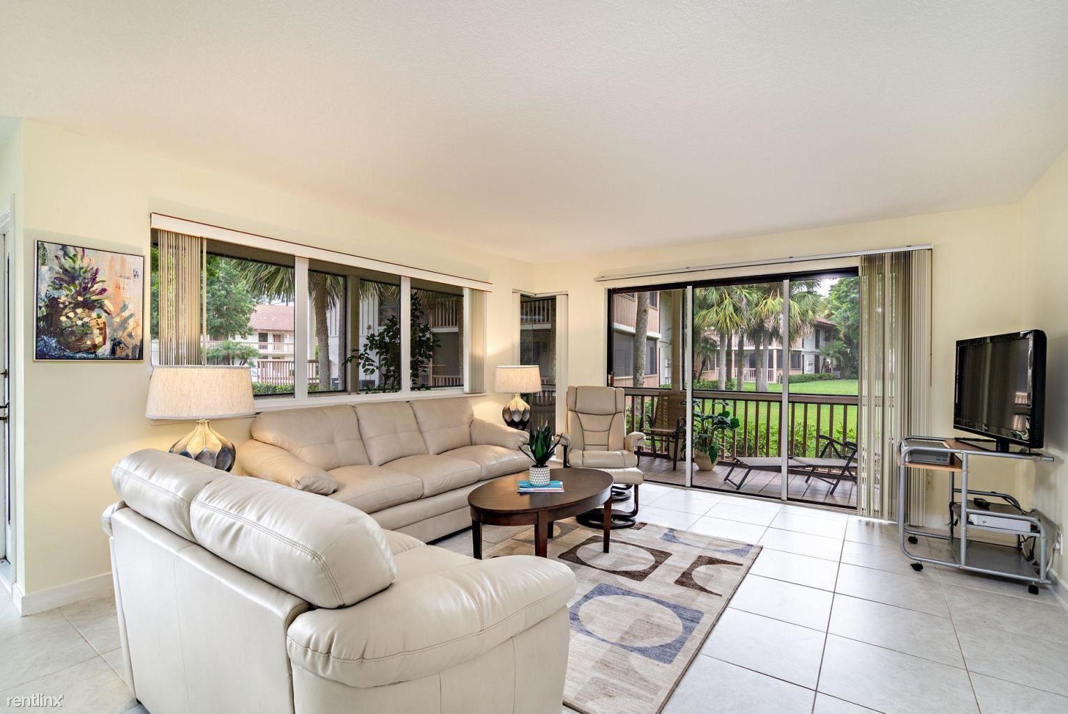 319 Brackenwood Cir, Palm Beach Gardens, FL - $2,200
