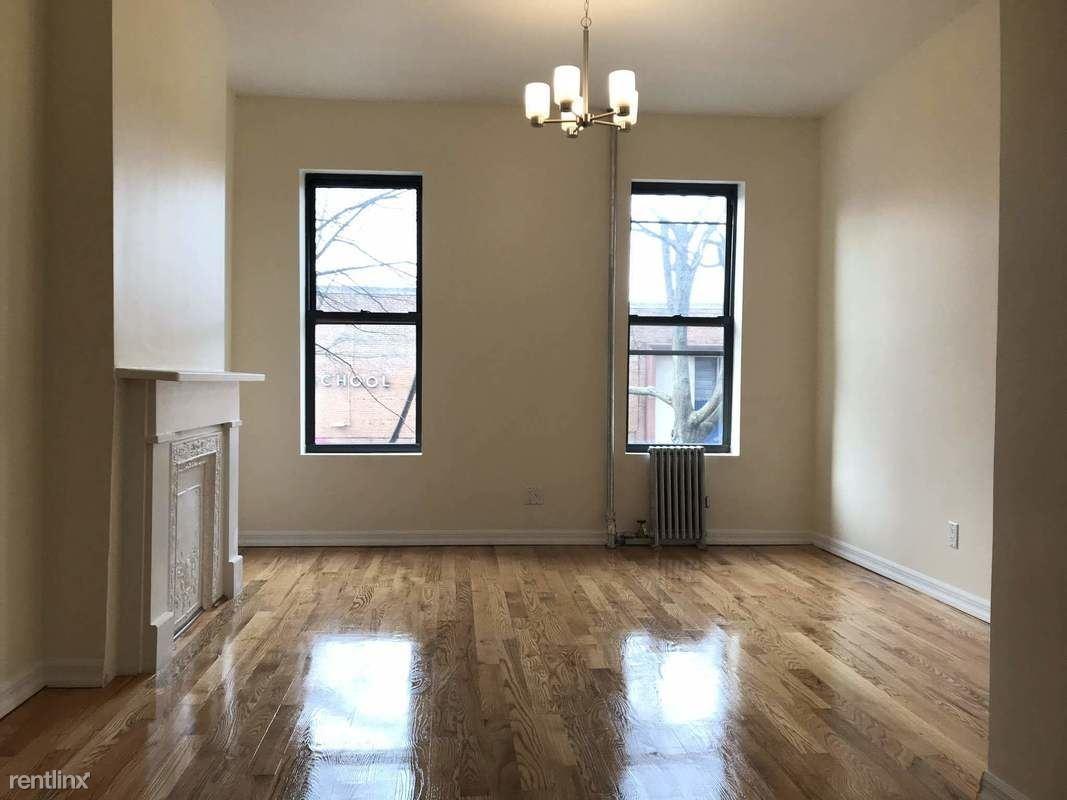 81 Underhill Ave, Brooklyn, NY - $2,930