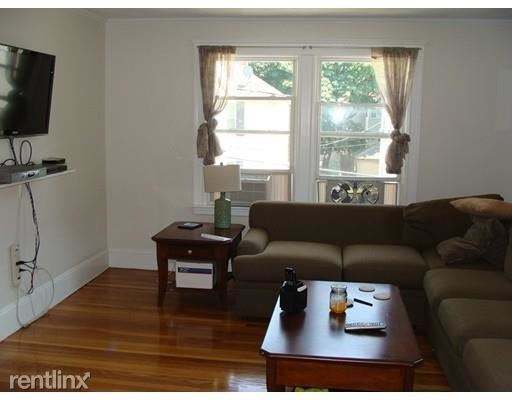 44 Davis Rd, Belmont, MA - $2,300
