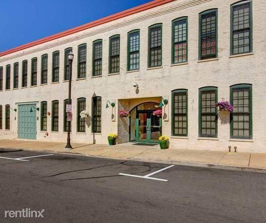 134  Main St., Racine, WI - $1,050