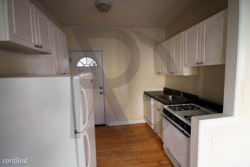 620 W Barry Ave 2W, Chicago, IL - $1,420