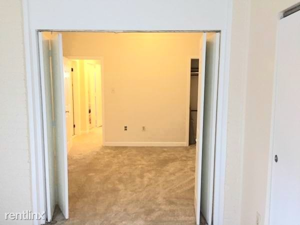 18th St NW, Adams Morgan, Washington, DC - $1,350