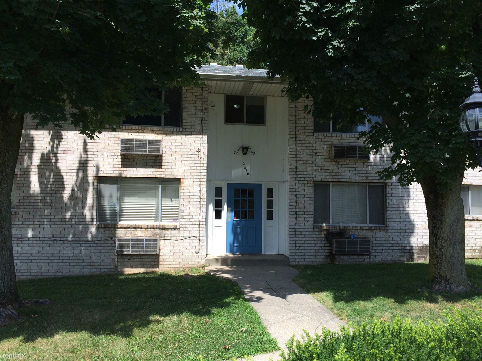 2000 Woodlawn Ave NW, Canton, OH - $550