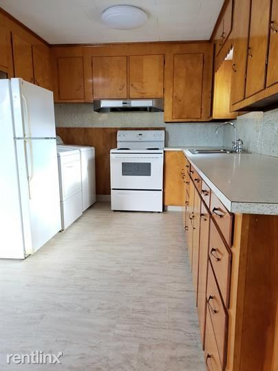Hayes St, Old Town, ME - $995