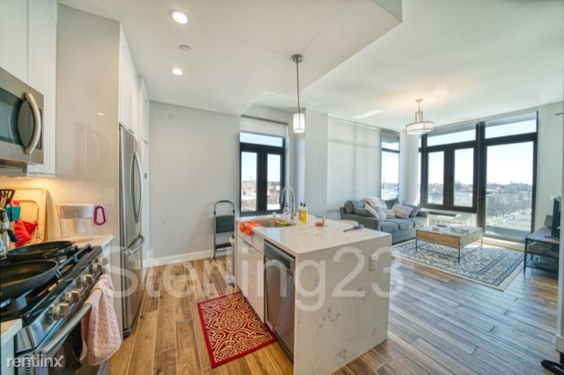 31-12 24th Ave 5, Astoria, NY - $2,995