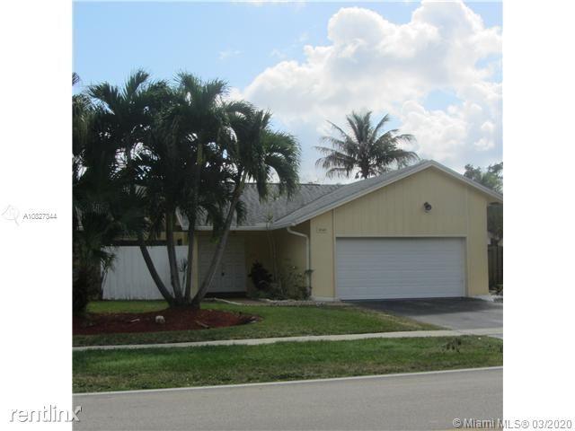 10140 Torchwood Ave, Plantation, FL - $2,750