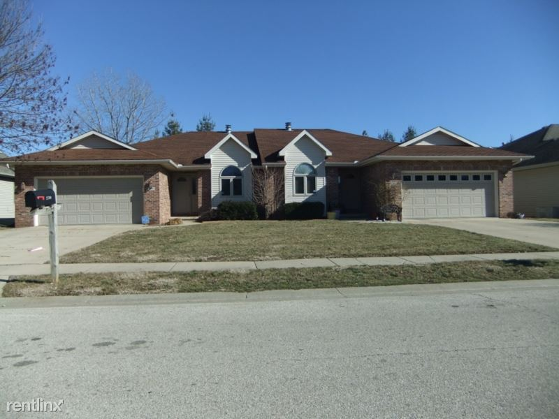 2702 Findley Dr, Springfield, IL - $1,750