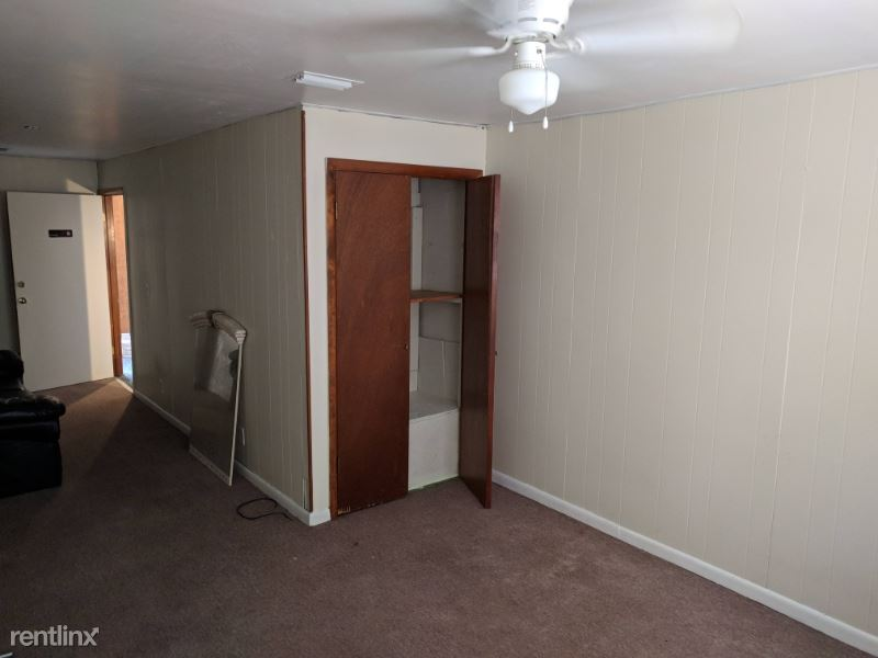 S WOODLAND BLVD, Deland, FL - $300