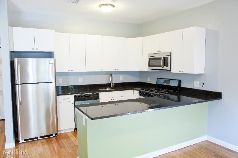 23 Evergreen St Apt 2, Jamaica Plain, MA - $3,750