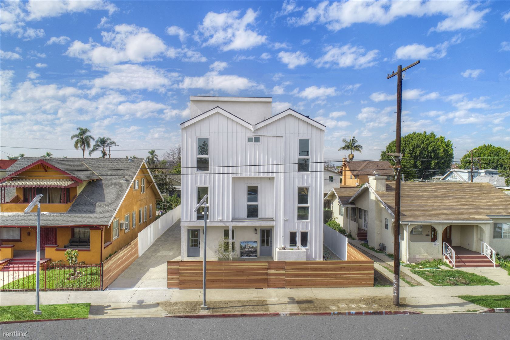 4177 S Normandie Ave - 3695USD / month