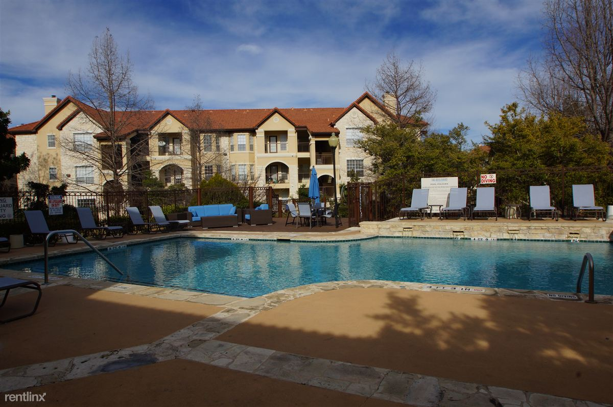 2600 Lake Austin Blvd - 2751USD / month