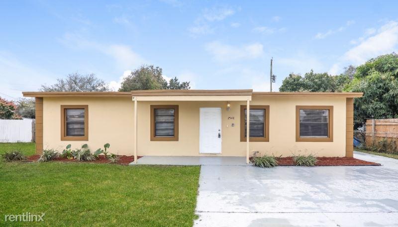 2540 NW 159 St, Miami Gardens, FL - $1,900