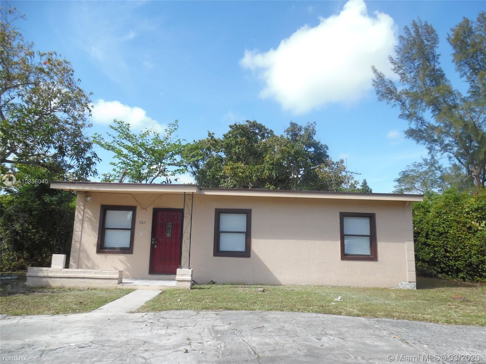 565 NW 129th St # 565, North Miami, FL - $2,500