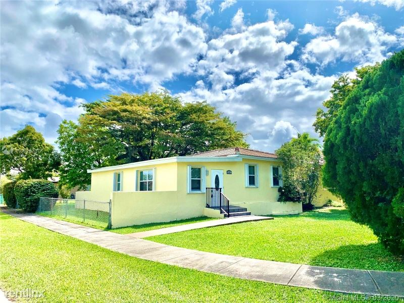 2801 SW 82nd Ave, Maimi, FL - $2,800