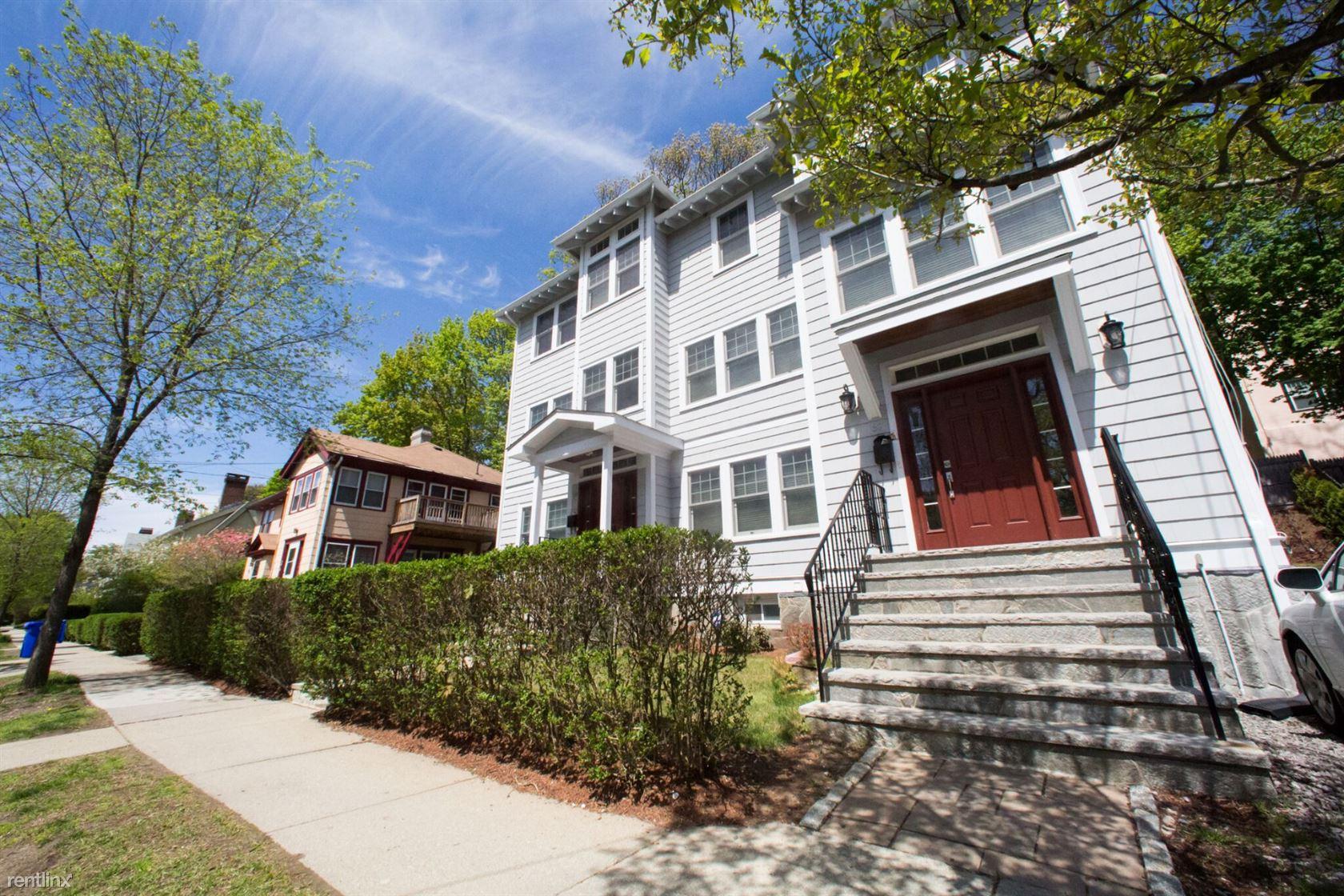 39 Beaconsfield Rd, Brookline, MA - $6,900