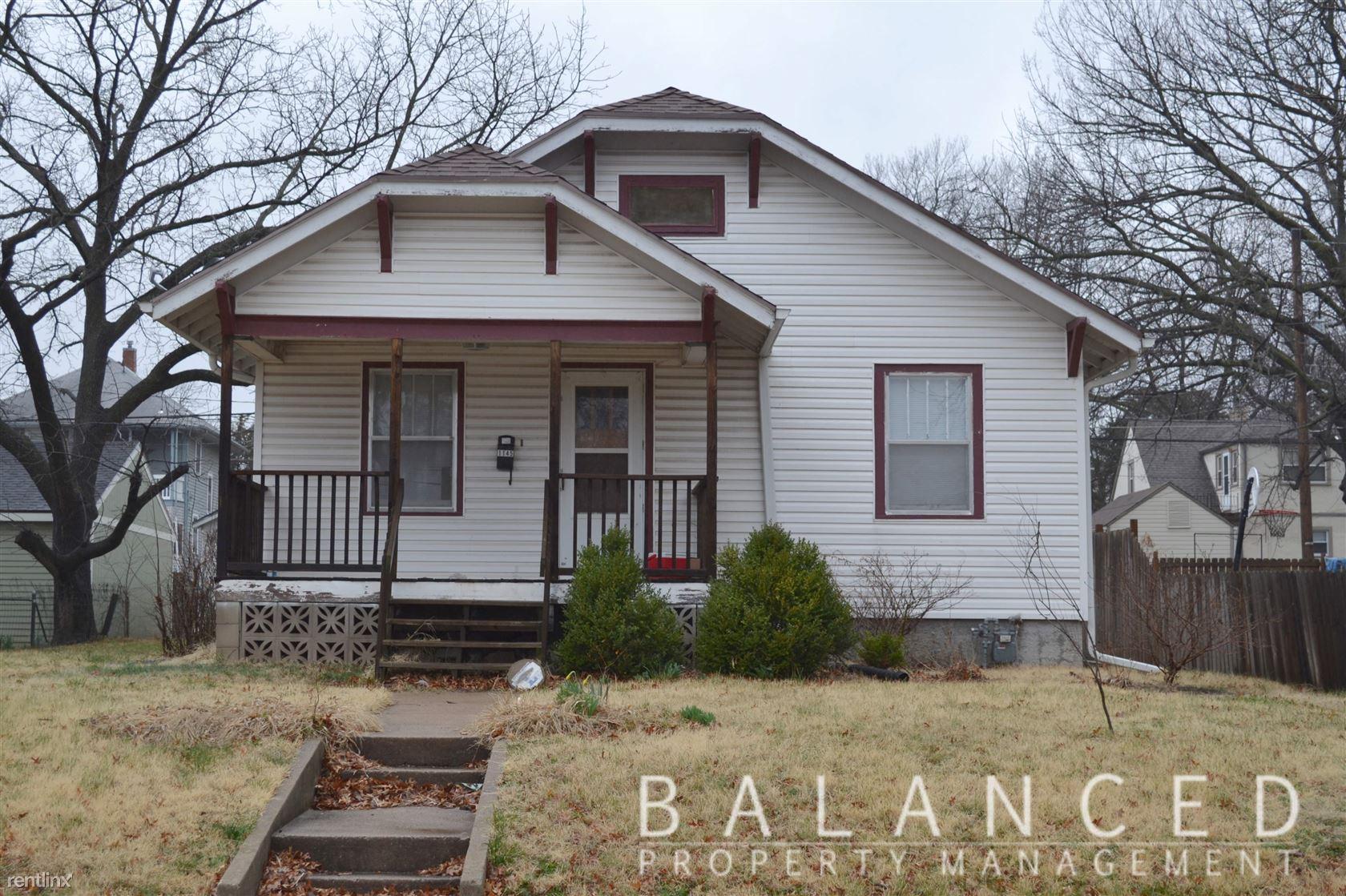 1145 SW Plass Ave, Topeka, KS - $850