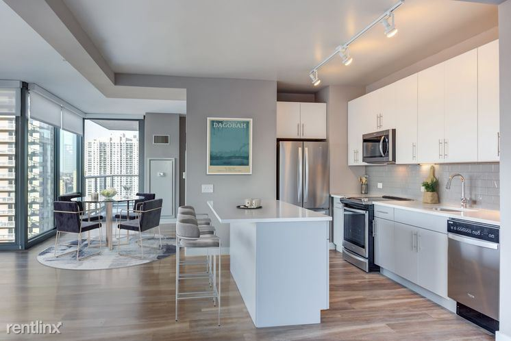 520 N State St, Chicago, IL - $6,265