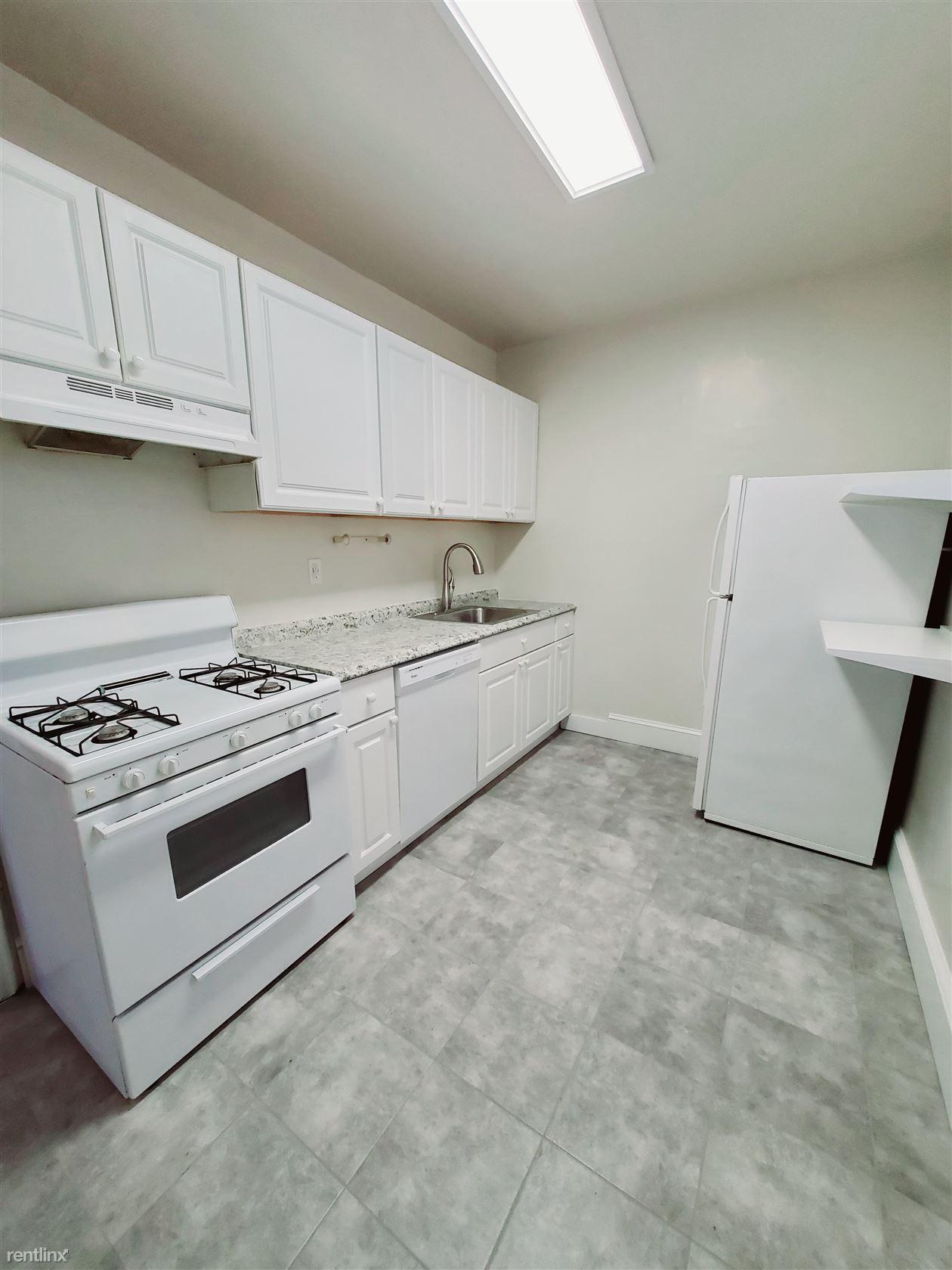Highland Rd, Stamford, CT - $1,850