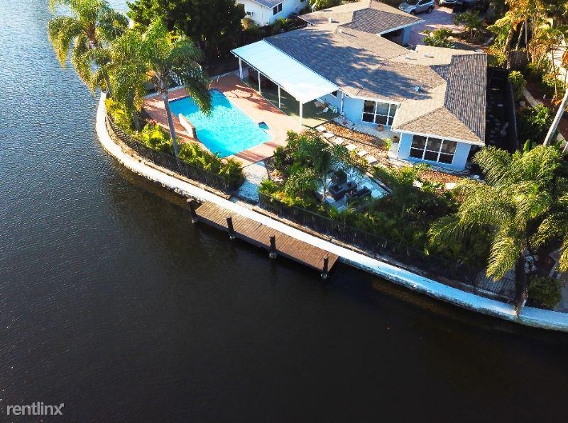 2164 NE 27 Dr., Wilton Manors, FL - $5,200