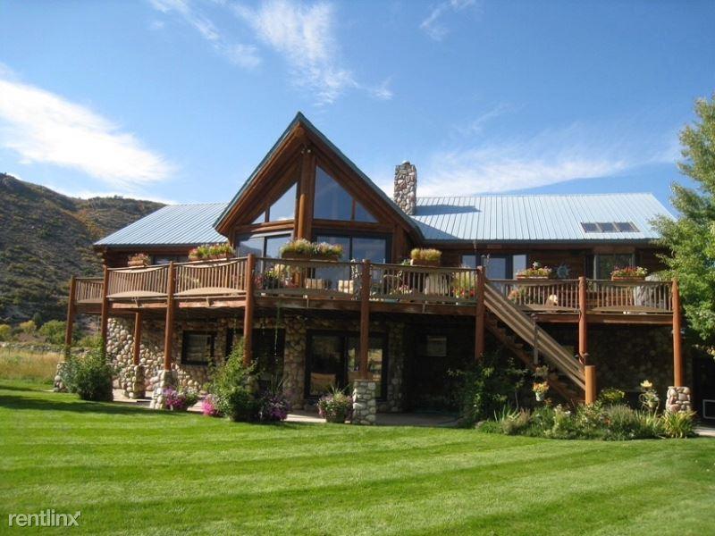233 Home Pl, Glenwood Springs, CO - $3,900
