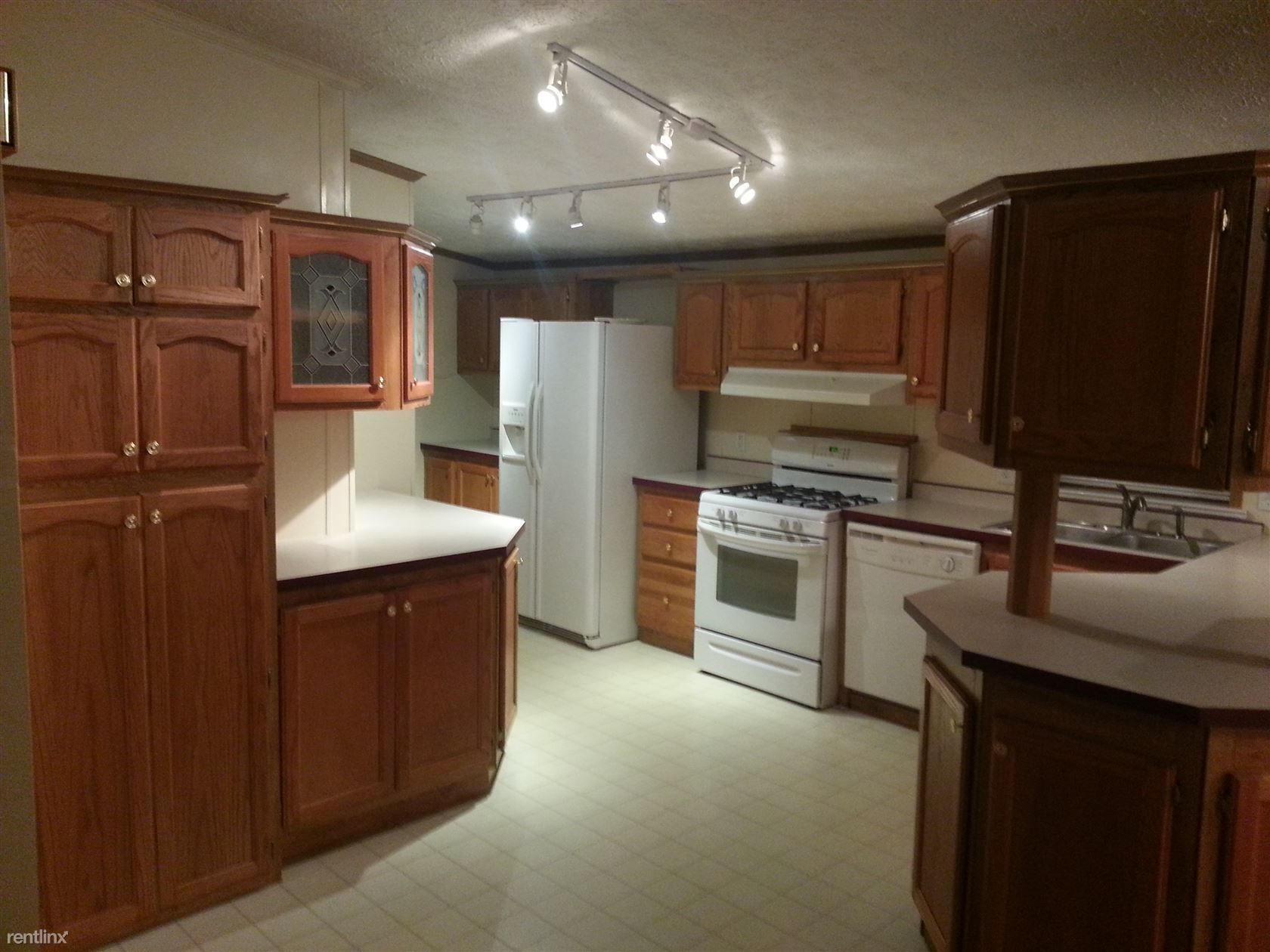 321 East Alton Street, Marine, IL - $1,075