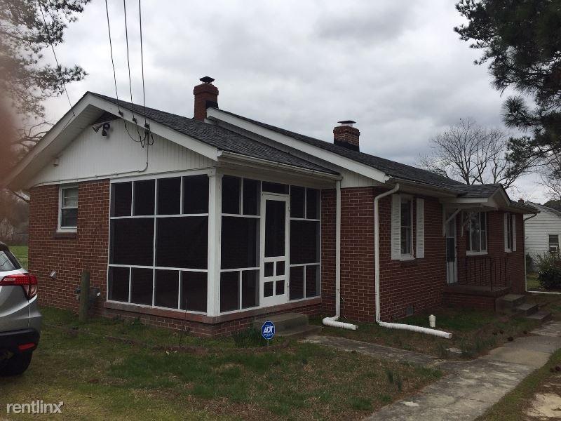 532 Graham Rd, Petersburg, VA - $1,155