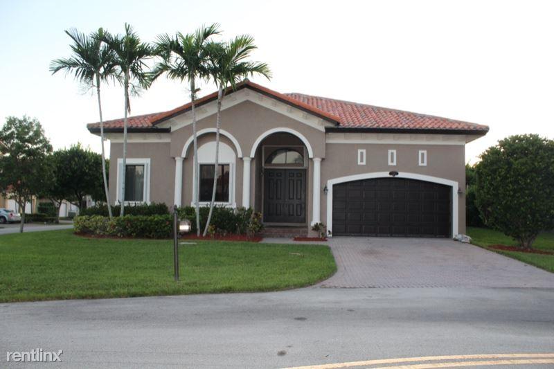7563 SW 188th Ter, Cutler Bay, FL - $3,300