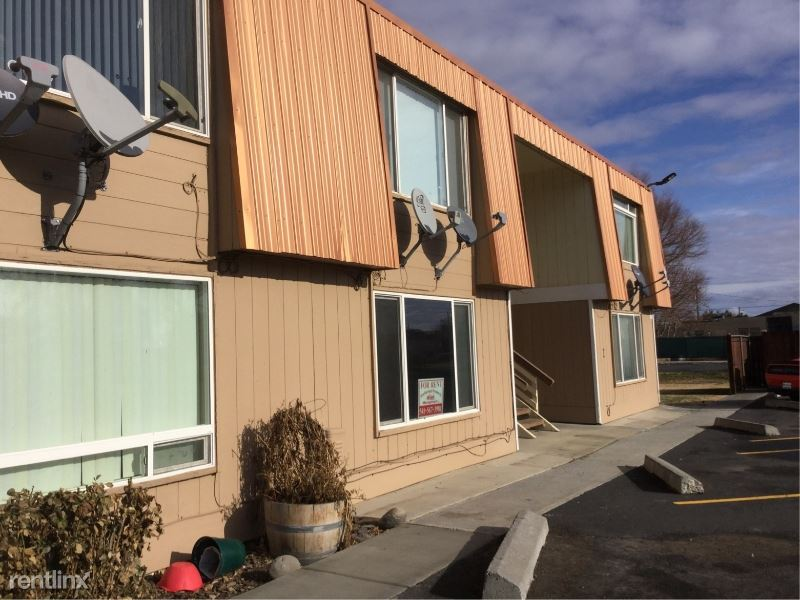 240 W Furnish Ave F9, Stanfield, OR - $695