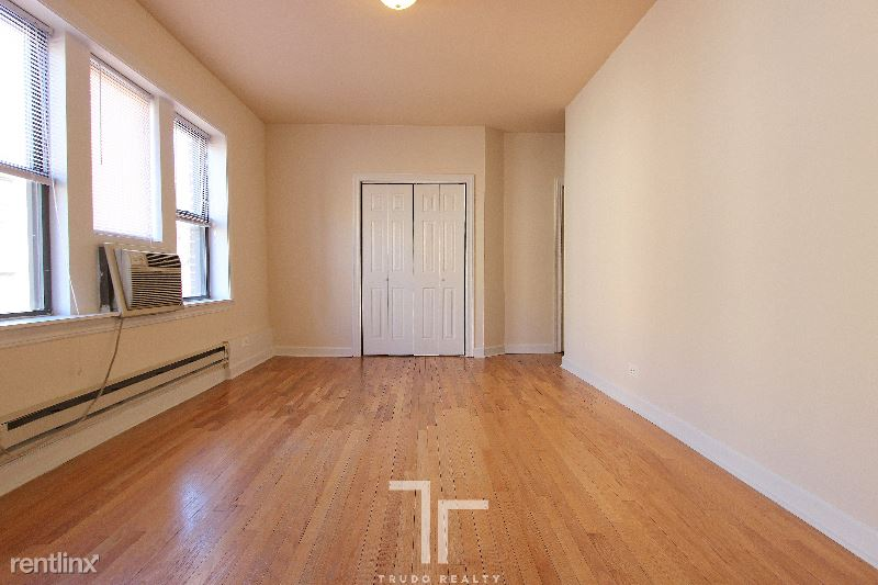 3720 N Pine Grove Ave 1, Chicago, IL - $1,420