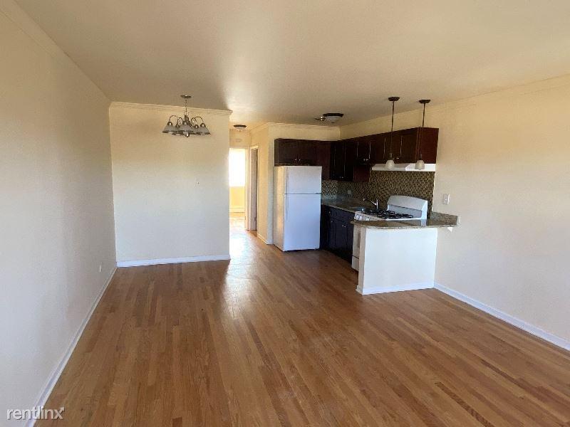 8500 Waukegan Rd 12, Morton Grove, IL - $1,100