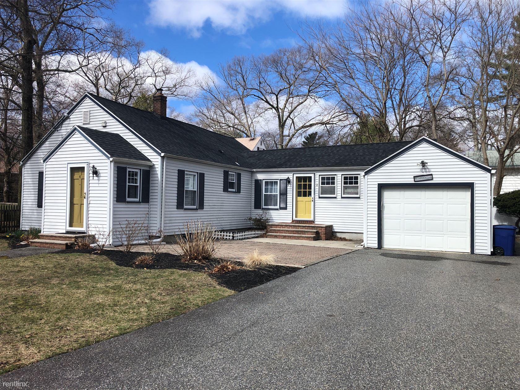 4 Cedarwood Rd, Lynnfield, MA - $2,800
