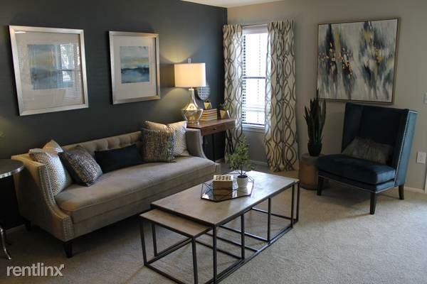 12 Fawndale Rd, Roslindale, MA - $850