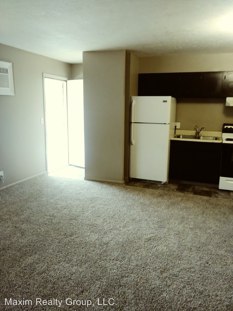 4852 TAYLOR ST, Omaha, NE - 550 USD/ month