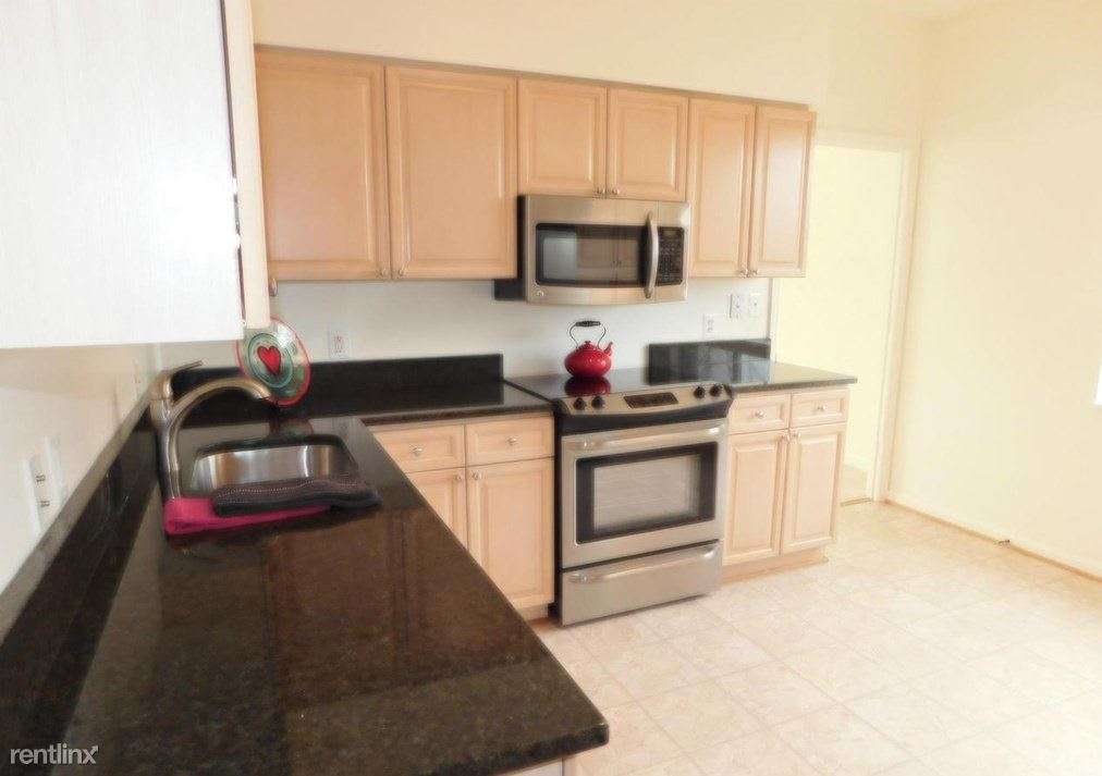 2904 N Leisure World Blvd Apt 504, Silver Spring, MD - $1,000